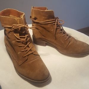 Steve Madden Suede Lace Up Boots.Size 8